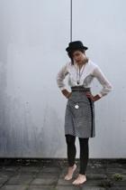 Mayser hat - Linnen blouse - skirt - H&M leggings