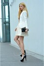 Black-patent-leather-louis-vuitton-bag-cream-h-m-jacket