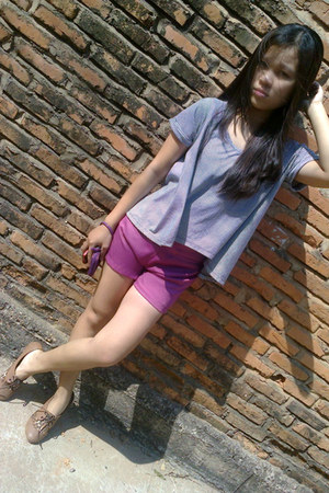 amethyst satin shorts - brown shoes - deep purple coach purse - periwinkle top