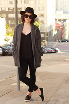 black rag & bone jeans - black wool H&M hat - gray wool Babaton blazer