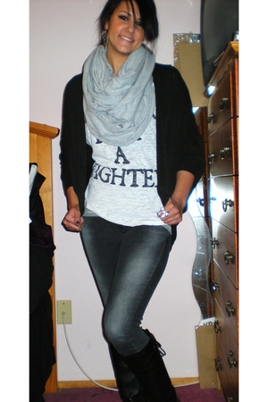 white Forever 21 shirt - black Forever 21 sweater - gray American Apparel scarf