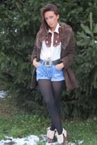 vintage shirt - Levis jeans - vintage coat - boots - vintage belt