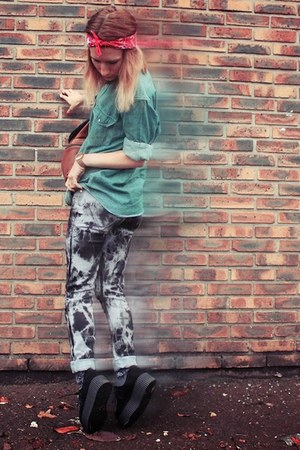black AX Paris pants