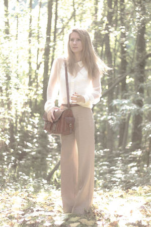 beige pants - white blouse
