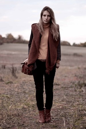 yellow Bershka - black Bershka pants - gray Primark blazer