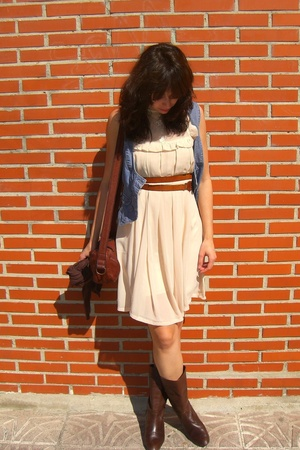 portobello market dress - vintage belt - H&M vest - vintage shoes