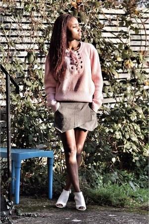 pink Romwecom sweater