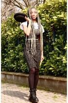 black asos boots - black H&M hat - gray Zara skirt - black top