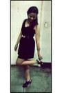 Black-vintage-dress-bronze-lmour-bracelet-black-unlisted-heels