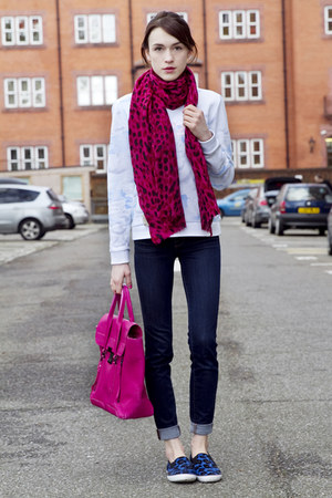 Kenzo sweatshirt - J Brand jeans - Lily and Lionel scarf - 31 Phillip Lim bag