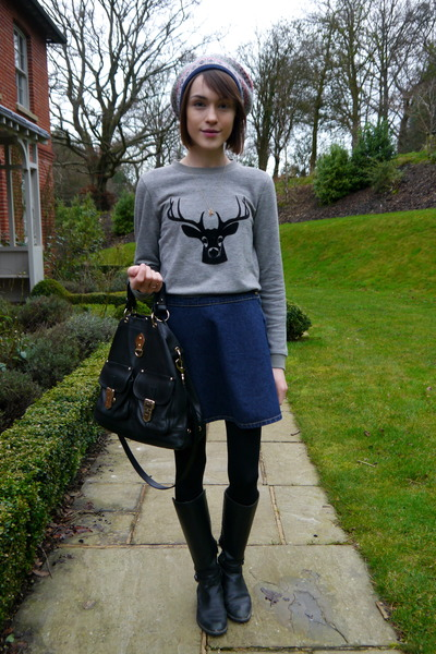Jaeger London jumper - Massimo Dutti boots - Accessorize hat - Mulberry bag