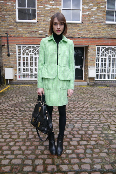 Jaeger London jacket - Massimo Dutti boots - Mulberry bag - Uniqlo jumper
