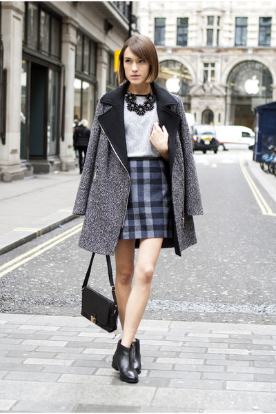 Oasis boots - Oasis coat - Oasis bag - Oasis skirt - Oasis necklace