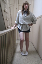 abercrombie & fitch shirt - shorts - Urban Outfitters shoes - forever 21 bracele