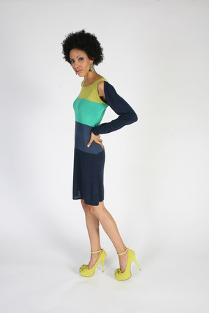 navy BCBG Maxazria dress - lime green pumps