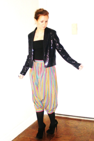 Vintage Neimans pants - H&M jacket - Bakers shoes