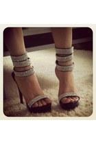 Yasmine heels