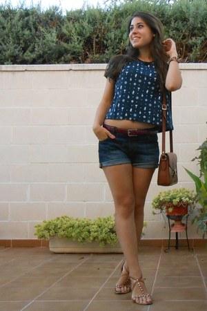 Misako bag - Zara shorts - Misako belt - Lefties t-shirt - H&M sandals