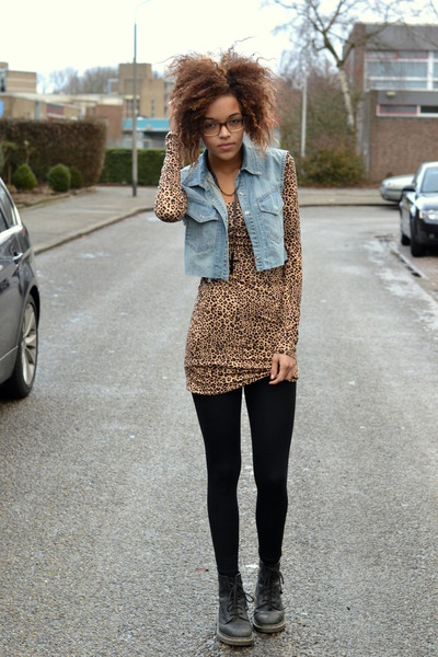 brown leopard H&amp;M dress - black leather Dr Martens boots