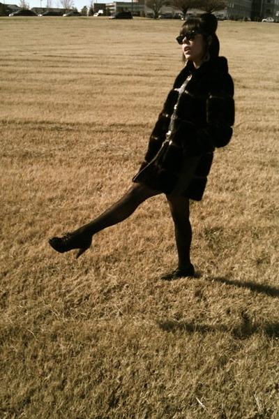 vintage coat - Juicy tights - shoes