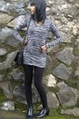 Black-boots-black-zebra-shirt