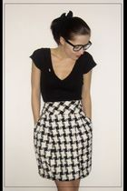 black shirt - Zara skirt