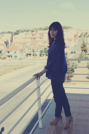 navy Zara blouse - green Zara pants - mustard Zara heels