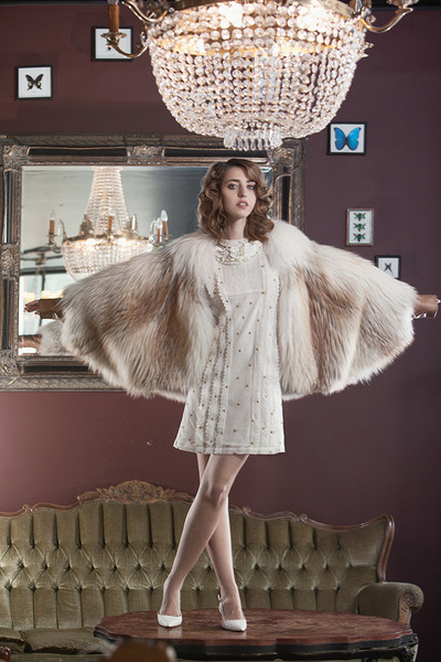 SAGA Fur coat - Manoush dress - ivory Radà necklace