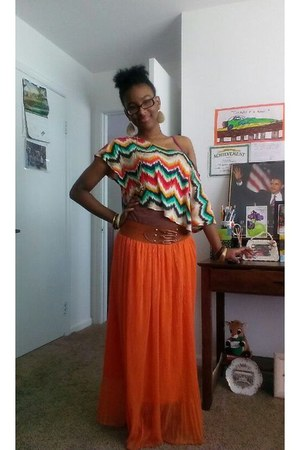 carrot orange skirt - teal shirt - tawny sandals
