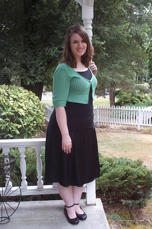 green Ross cardigan - black Downeast Outfitters top - black Ross skirt - black R