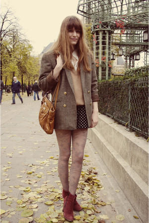 red boots - black H&M shorts - brown blazer - brown bag