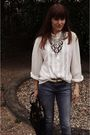 White-shirt-blue-zara-jeans-white-belt-black-purse-silver-h-m-trend-neck