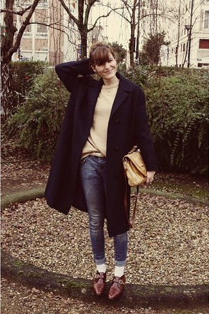 vintage shoes - thrifted coat - Zara jeans - thrifted sweater - vintage bag