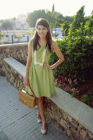 vintage bag - La Chica de Papel dress