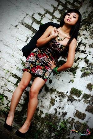 bracelet - Redhead dress - Tiffany blazer - accessories - Rusty Lopez pumps