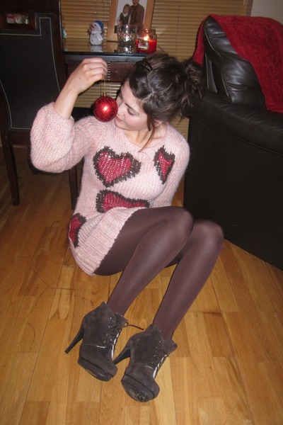 heels - tights - jumper