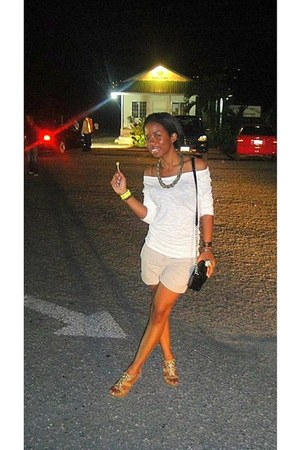 shirt - black shoulder Liz Claibourne bag - khaki Anne Taylor shorts - nude stud