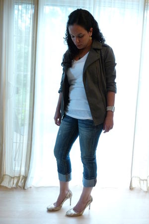 green Gentle Fawn jacket - white shirt - blue Maurices jeans - yellow Datelli sh