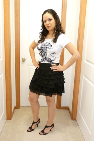 black Express skirt - black Nine West shoes - white Express t-shirt - silver Pur