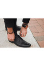 Clarks-shoes-gio-goi-jacket-yesstyle-t-shirt-stuhrling-watch