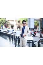 crimson H&M sunglasses - ivory Chips Boutique bodysuit