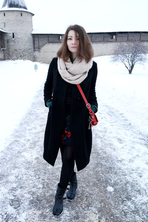 Patrizia Pepe boots - Osklen dress - JNBY coat - H&M scarf - Fossil bag