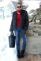 Zara bag - rayban sunglasses - H&M Trend gloves