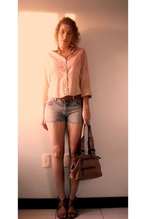 pink shirt - brown belt - blue shorts - beige shoes
