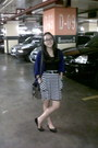 Charcoal-gray-bag-black-moms-belt-black-top-white-stripes-skirt