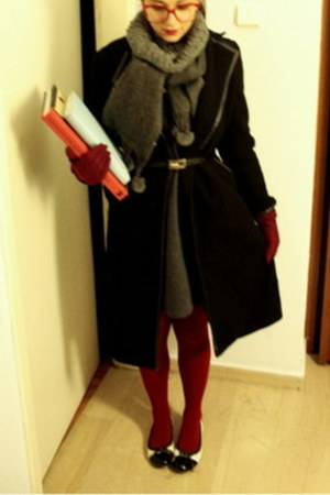 black leather Largenti belt - heather gray Largenti dress - brick red tights