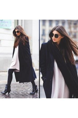 Jessica Buurman boots - Front Row Shop sweater - Little Mistress leggings