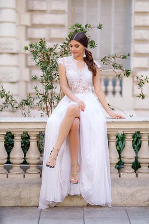 Oana Nutu dress