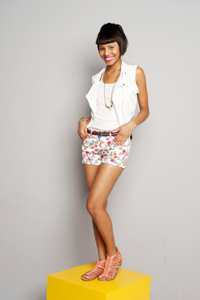 ivory floral print Zara shorts - white lace Marisa vest