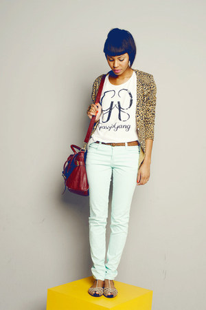 ivory basic Mango shirt - aquamarine jeans Hering pants